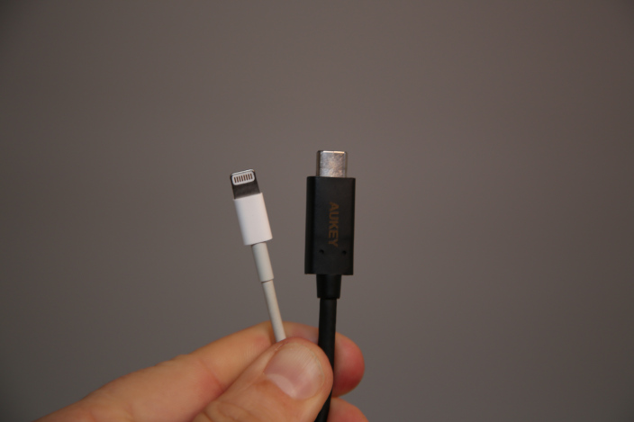 USB-C and lightning compared